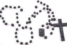 Plastic Rosary Beads / Plastic Rosaries in Bulk, plastic rosary beads with bulk discount prices. Absolutely perfect for schools, bible classes, fundraising, & giveaways etc. These quality Italian plastic rosaries have to be the best value anywhere.
