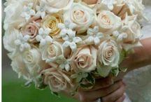Bouquet da sposa... / Siamo nel settore floreale da 17 anni...rendiamo unico ogni vostro evento...dalla A alla Z...curando ogni minimo particolare per renderlo indimenticabile...Da noi troverete non solo gli allestimenti floreali ma anche tutto ciò che riguarda il tuo evento...