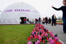 Openingspaviljoen Floriade 2012 / De Floriade: de tienjaarlijkse toonaangevende wereldtuinbouwtentoonstelling. Voor de de Nederlandse Tuinbouwraad, ontwikkelde DST het openingspaviljoen in 2012. Een indrukwekkende 360˚ filmprojectie die je direct na aankomst op het enorme terrein onderdompelde in de wereld van de tuinbouw. The Dome was tijdens de Floriade in Venlo zes maanden lang de grootste bioscoop in zijn soort in Nederland, met een piekcapaciteit van 30.000 bezoekers per dag. En zéker ook de meest overdonderende.