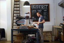trend: modern vintage stijl  / Veel cafés, koffiebarretjes en kleine bistro's hebben deze stijl overgenomen. Denk aan krijtborden, oude meubeltjes, industriële vloer, lichte wanden, ecopapier menu's.