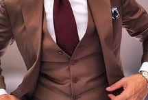 Braune Anzüge