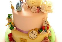 cakes, cakes and more cakes! / by Tammy Cole