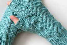 knit gloves. mittens