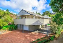 Home Staging - Langana Ave / Full staging of a cool and contemporary 80's home in Browns Bay
