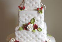 Trendy wedding cakes / by Jenniffer White