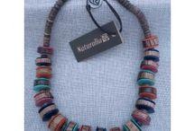 Bigiotteria e Accessori / Bigiotteria e Accessori: collane, bracciali, orecchini, anelli, foulard e molto altro.