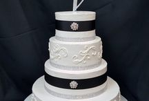 Riverview Upgraded Wedding Cakes / Wedding cakes made at the Riverview!