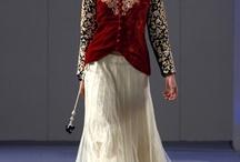 Pure Elegance av Parna Ghose vår mote 2013