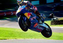 #WSBK / Il mondo della superbike, per capire che è un'altra cosa rispetto al motomondiale.