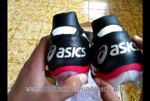 Sepatu Bola Asics