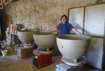 Ous de ceràmica, una forma molt innovadora d'elaborar vins d'alta gamma / Ton Rimbau ha creat uns ous de ceràmica artesanals per una part de la producció del Porcellànic que es comercialitzarà a l'any 2016: http://porcellanic.com/noticias/  Vinos ecológicos, vinos sin sulfitos, vinos naturales, vinos elaborados por el sistema de permacultura, Porcellànic xarello, xarello sur lie, vi dolç natural Porcellanic, cava porcellanic.