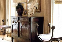 Антиквариат в современном интерьере / Редкие предметы старины всегда ценились очень высоко. Антикварные предметы дарят интерьеру  загадочность и уют.