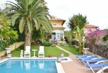 Costa Barcelona Villas / In the heart of Mediterranean, situated perfectly between amazing beaches of Sitges and beautiful mountains of Catalonia, lie Quint Mar, Vallpineda and Vinyet communities that bring the best of Sitges to your doorstep