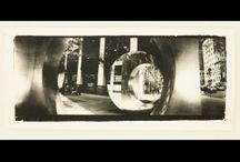 Artistas: Marta Colell / Enamorada de la fotografía analógica, viaja desnudando ciudades con su cámara panorámica.