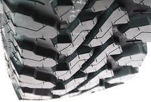 Febrero 2018 l Llantas y Tires