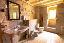 La Gelsomina // Bathroom Decor / Bathroom decor ideas from Sicilian tiles to Asian wash-basins.