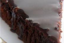 Μελαχρινή με γλασο σοκολάτας