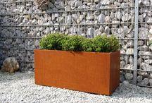 Blumenkübel aus Cortenstahl / ein interessanter Stahl, der im Lauf der Zeit immer schöner wird - toller Rostlook!