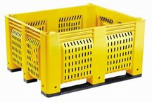 Containers & Bins / When seeking the best option for your shipping and storage container needs, look no further than plastic containers and bins from One Way Solutions. Our containers are made from the most durable, dependable plastics, designed to withstand the shipping process for years to come.