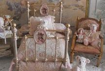 miniature dollshouses / Miniature art