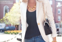 Blazer fashions / Different styles that can be worn with versatile blazers