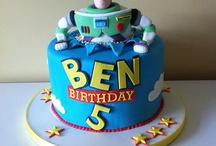 cool cakes / by BayBdawl Cadar