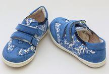 Shoes for kids/ Incaltaminte copii / Cea mai frumoasa colectie de incaltaminte copii o gasesti la noi in magazin. Pantofi comozi, cizme calduroase ori pantofi cocheti pentru fete, toate se regasesc in colectia magazinului nostru. Toata incaltamintea este din piele naturala, atat pe interior cat si pe exterior. Majoritatea pantofilor au talpa cu protectie antisoc. Ne gandim la confortul copilului tau!  www.myfashionizer.ro/copii/incaltaminte-copii