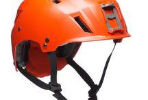 Schutzhelme / In unserer Kategorie Schutzhelme können Sie mit den renommierten Team Wendy Schutzhelmen EXFIL LTP, EXFIL SAR Tactical oder EXFIL SAR Backcountry die Einsatzgebiete Fallschirmspringen, SAR-Operationen, Katastrophenhilfe, Klettern aber auch Rafting abdecken. Alle Helme sind für ihre Verwendung zertifiziert.