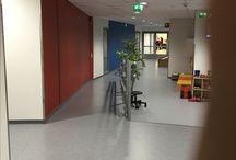 Monitoimikeskus Silta / Palvelutuotekehittäjä tutustumassa uuteen monitoimikeskukseen