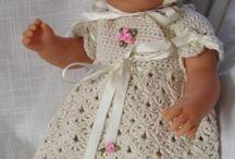 Panenky a háčkované pletené oblečky