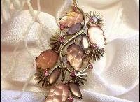 Vintage Christmas Jewelry