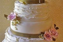 Wedding Cakes / by Marvella Franco