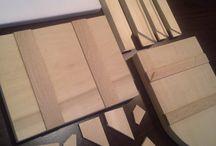ShaSeeU™ / ShaSeeU™ DIN LEMN DE TEI SAU MOLID, este special conceput pentru panza canvas, fiind prevazut cu pene la colturi pentru reglaj usor. Lemnul utilizat pentru ShaSeeU™este perfect uscat, foarte stabil dimensional,fara noduri si nu isi modifica starea in timp. De asemenea producem si blaturi pentru icoane, sevalete, panza, grunduri.