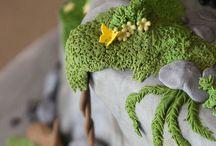 Toothless dragon cake