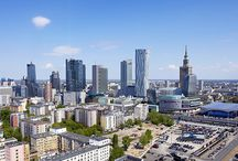 Warsaw Compass / Warsaw Compass is an app presents city skyline, shows buildings in the Warsaw Central Business District and more. The author's project was initiated by SkyConcept - real estate, it, content marketing agency created for example: Wysoko Wyżej Warszawa, Kamień i co - Warsaw Murals, Saski360.