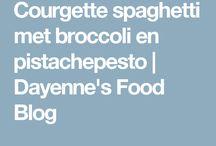 Hoofdgerechten / Courgette pasta/pesto