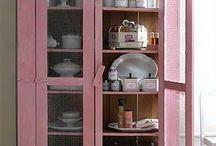 pink kitchen....