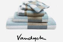 Zachte badmode van Vandyck / Het Nederlandse bed- en badmode merk Vandyck is met meer dan 90 jaar ervaring een toonaangevend bedrijf in zijn sector. Kwaliteit badgoed zoals handdoeken, badlakens, gastendoeken, washandjes, strandlakens en veel meer. Het materiaal wat gebruikt wordt, komt allemaal uit natuurlijke bronnen, wat het merk uniek maakt. Bekijk hier een aantal producten uit de prachtige collectie van Vandyck.