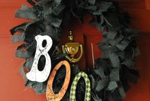 Wreaths/Door Decor / by Vickie Powell
