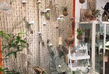 Interieur / Een plantje aan de muur, een ketting in een lijstje, een oude trommel als tafeltje ...Jouw huis is daarom echt helemaal jouw plekje!