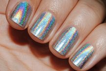 holographic nails & hologram nail polish gallery / holographic nails and hologram nail polish gallery for perfect fingernails with rainbow look. / by nded - nail art designs