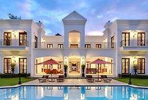 amazing houses / beautiful houses