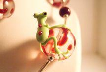 MORFIA Colliers grenouille / Perles en verre de Murano ornées d'une grenouille