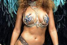 Rihanna collector