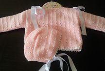 Chaquetas y jerseys de punto / Chaquetas, capotas y jerseys de punto para los bebes. Visitano en hhttp://www.laspecasdelucas.blogspot.com