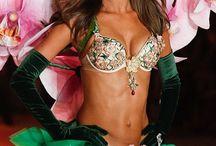 Victoria Secret Fashion Show 2012 - Angels in Bloom