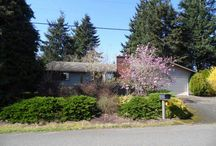 223 SE 113th Avenue 97216 - Portland, OR / This single-level auction property near Ventura Park in Portland features a spacious and fenced back/front yard, laminate floors, a wood-burning fireplace, open kitchen with eating bar, and close access to I-205 and public transportation. This property has been sold.