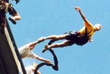 Bungee jumping z mostu Chomutov / Připadá Vám skočit z 62 metrů vysokého mostu jako dost šílený nápad? Překonejte veškeré hranice strachu a odvahy, do těla se Vám dostane tolik adrenalinu, že po akci budete tuto chvíli popisovat jako naprosto nezapomenutelný zážitek. Nebo máte chuť vyzkoušet si bungee jumping s někým blízkým? Máme tu pro Vás tandemový skok. Milovníci extrémních sportů i adrenalinem netknutí jedinci - pojďte do toho… 3-2-1 SKOK!  Pro více info klikněte na: http://www.impresio.eu/zazitek/bungee-jumping-chomutov