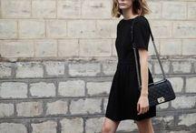 vestido preto curto tenis branco