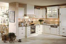 Küche L-Form / Passt in jedes Zimmer und jede Nische: Die L-Form zählt zu den beliebtesten Küchenformen deutscher Haushalte. Wir zeigen die schönsten Varianten - und Variationen.